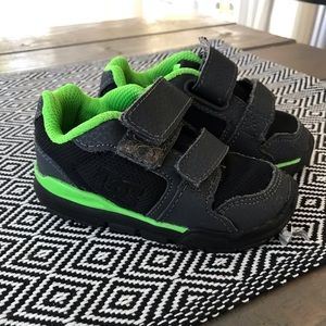 DC baby shoes
